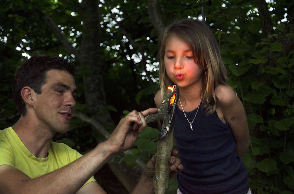 family bushcraft, father and daughter
